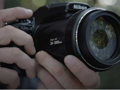 Man holding the Nikon P1000 Camera