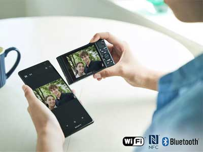 The camera using Wi-Fi and Bluetooth